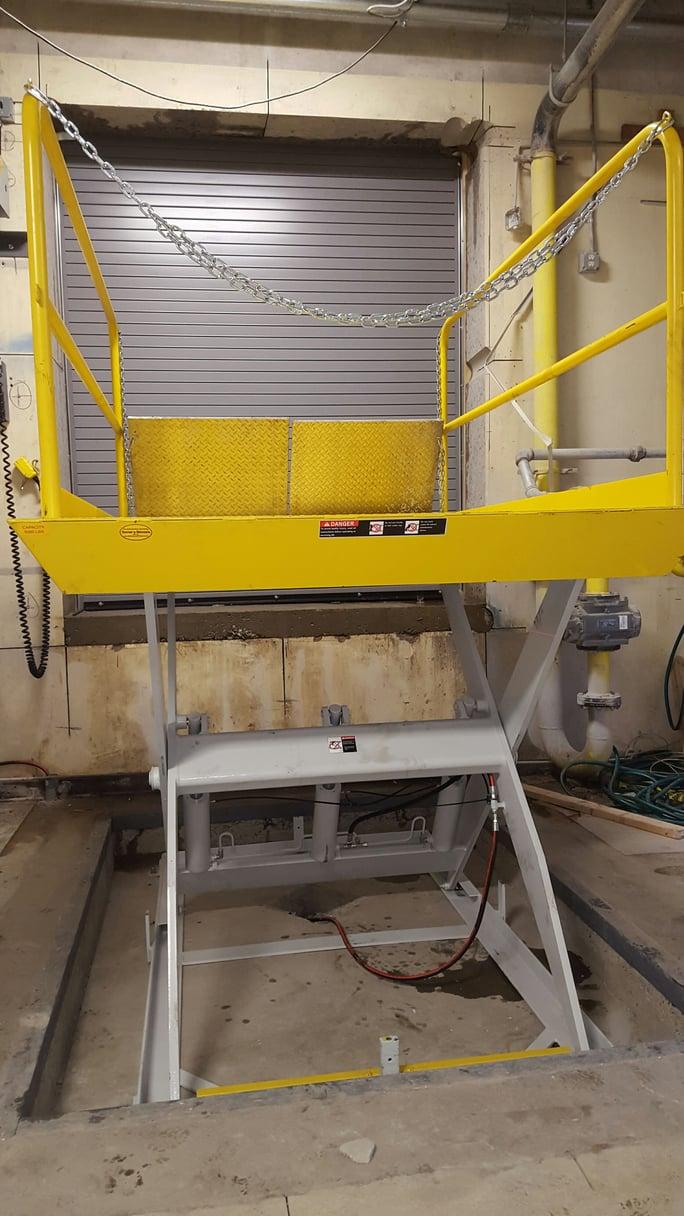 Hydraulic Vertical Lift : Finest doorman loading dock new jersey york