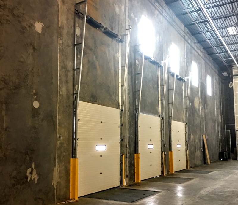 Full Vertical Sectional Loading Dock Doors-1