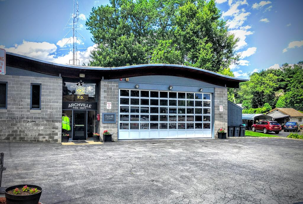 Sectional Commercial Aluminum Garage Overhead Doors for Firehouses, Fire Stations, Ambulance Buildings, Police Buildings