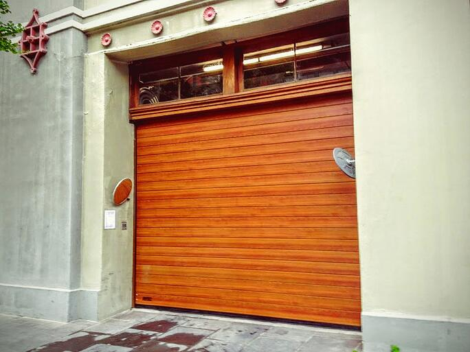 high_speed_wood_color_parking_garage_door_gate.jpg