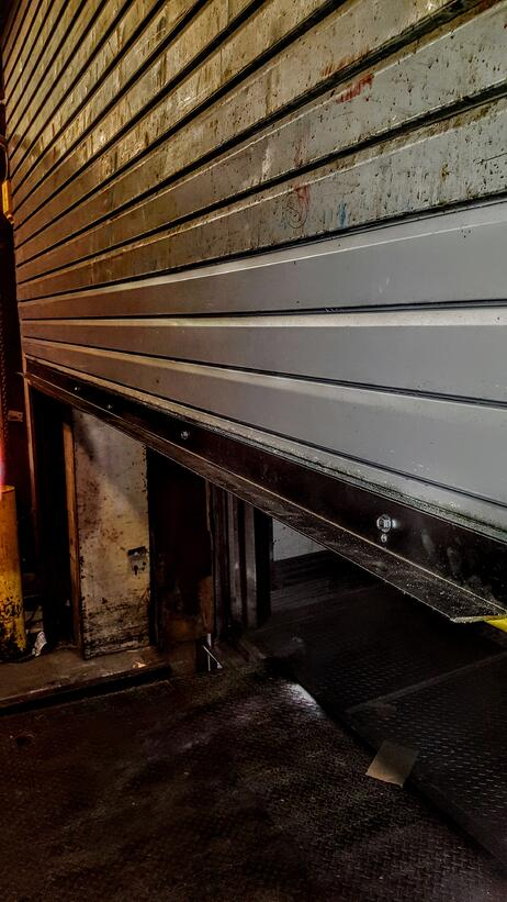 Lift Gate Repair >> Repairs for Rollup Gates, Commercial Overhead Doors, Loading Dock Plates, Rolldown Doors ...