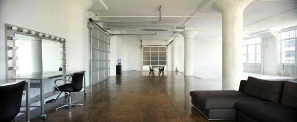 Showroom Fashion Studio Nyc Glass Wall Garage Door.